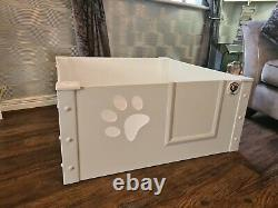 Puppy Dog Whelping Pen Box With Perspex Paw Window Size Small 90cmx90cmx40cm